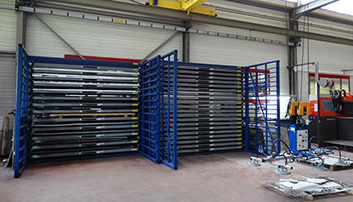 Horizontal storage rack for metal sheets